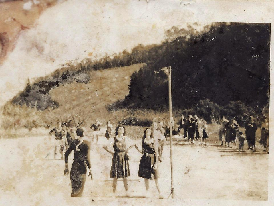 Girls vs boys - basketball at Lenswood.